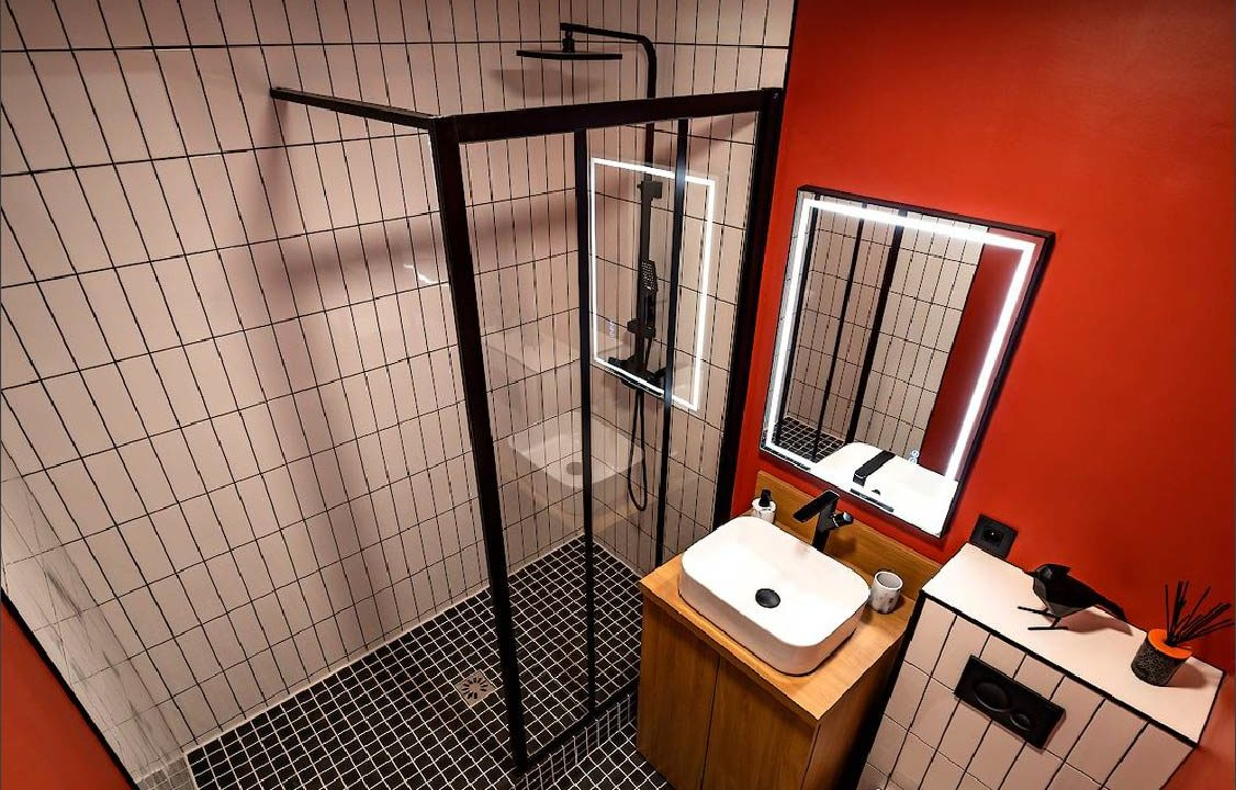 Studio Luxembourg-Belair a louer sale de bain